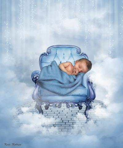 dziecko w fotelu